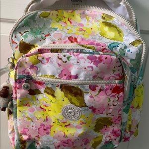 🌸Kipling Seoul Backpack/Laptop, Luscious Florals
